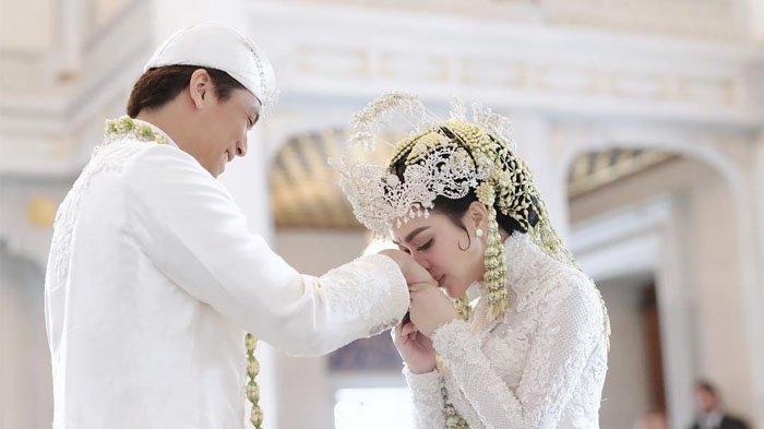 Syahrini Ungkap Pernikahannya dengan Reino Barack Tak Akan Terlaksana Tanpa Andil Mereka Ini