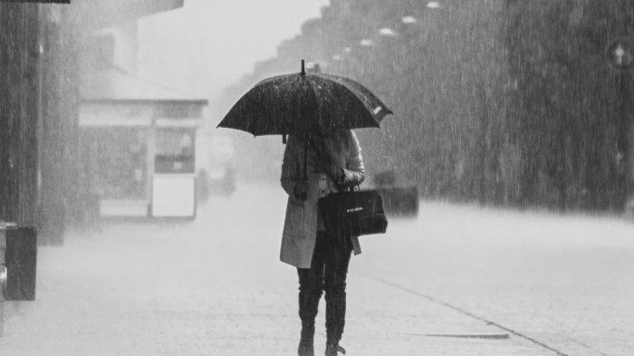 Ilustrasi hujan badai.