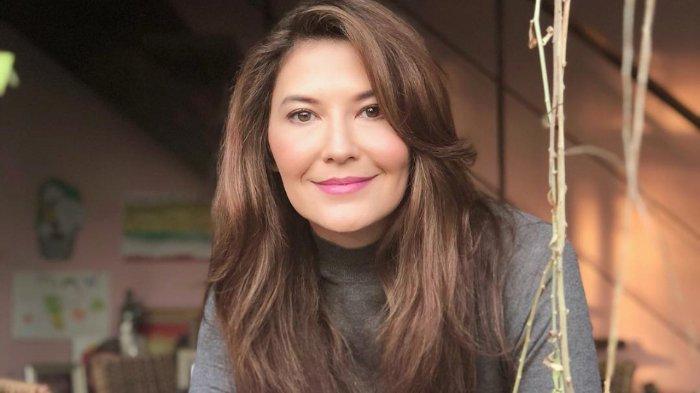 Tamara Bleszynski Bagikan Sembako Selama 3 Hari, Siap Dipenjara Jika Terjadi Kerumunan: 'Aku Rela'