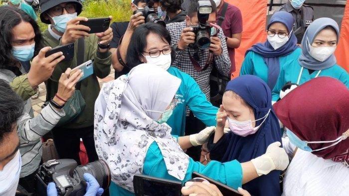TANGIS Aisyah, Sembuh dari Covid-19 Kini Hidup Sebatang Kara, Artis & Pejabat TNI Antre Siap Adopsi
