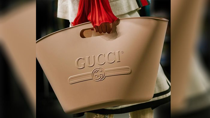 Tas Gucci Terbaru Ini Dibanderol Rp 13 Juta, Bentuknya Dicibir Gegara Mirip Ember tuk Ngepel!