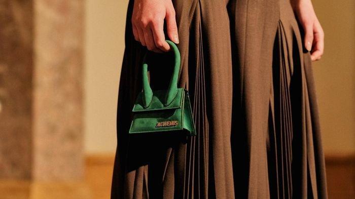 5 Tas Unik ini Harganya Nggak Main-main, Ada yang Super Mini Dibanderol Jutaan Rupiah!