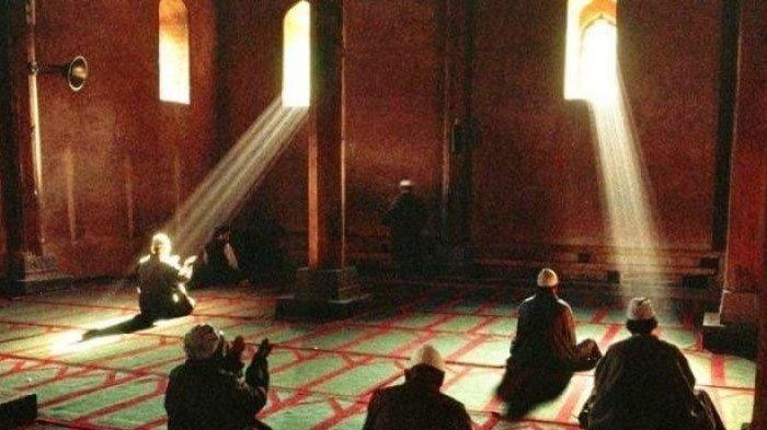 Tata Cara Lengkap Itikaf raih malam Lailatul Qadar