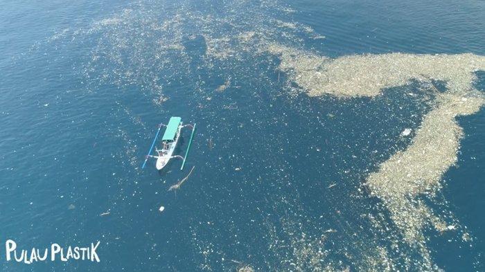 Ajak Masyarakat Sadar Akan Pencemaran Laut, Visinema Pictures Segera Rilis Film 'Pulau Plastik'
