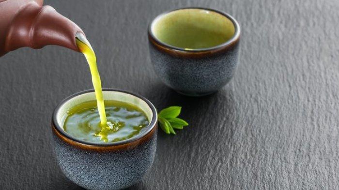 10 Jenis Makanan & Minuman yang Ampuh Atasi Masalah Jerawat, Teh Matcha hingga Gandum Utuh