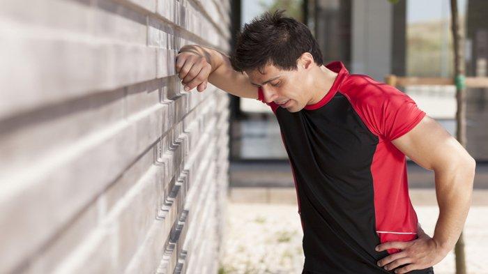 5 Tanda-tanda Awal Tubuh Terlalu Kelelahan Saat Olahraga di Malam Hari, Stop Paksa!