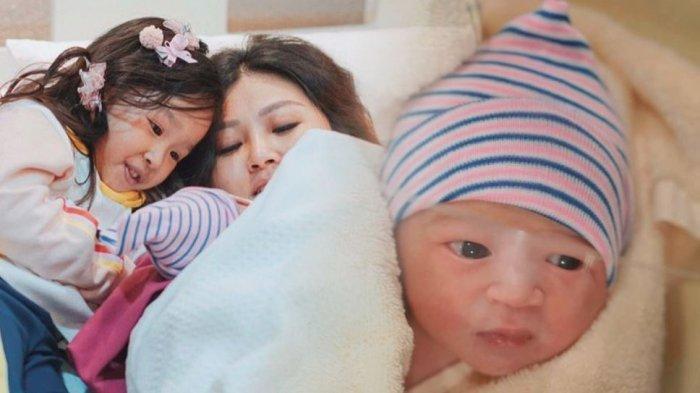 Anak Kedua Ruben Onsu Lahir di Tanggal yang Sama dengan Anak Pertama, Thalia: 'Kado Buat Thalia'