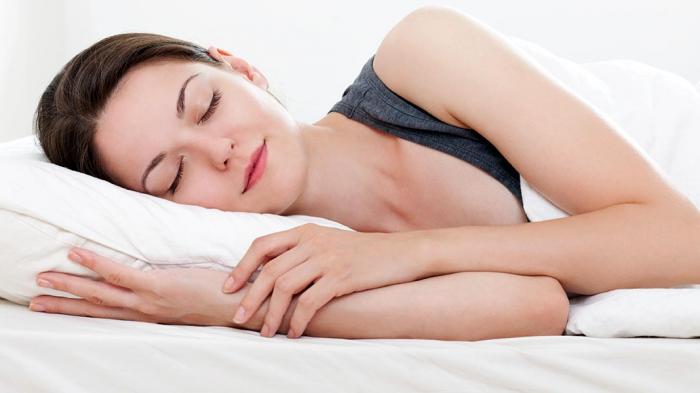 Ilustrasi tidur menghadap ke kanan