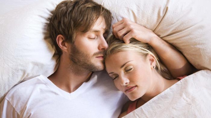 Hindari! Inilah Posisi Bercinta yang Paling Berbahaya Bagi Kesehatan Pria, Jangan Dibiasakan!