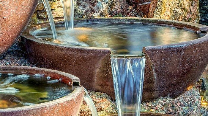 TIPS Feng Shui Menggunakan Air Mancur di Taman Rumah untuk Membawa Kekayaan & Rezeki
