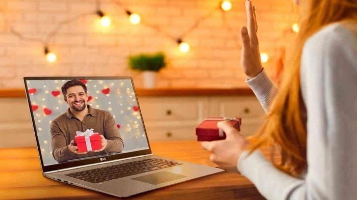 Tak Bisa Ketemu Pacar Selama PPKM Darurat, Ini 5 Tips Pacaran Online Pakai Zoom dan Google Meet