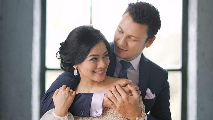 POPULER Cerita Awal Kenal Sang Istri, Christian Sugiono Ternyata Pernah Ditolak Titi Kamal