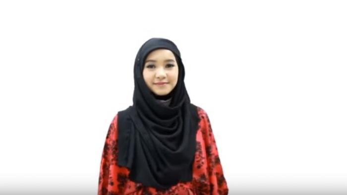 Tutorial Hijab - Ini Dia, Cara Mudah Pakai Pashmina Polos Saat Berangkat ke Kantor, Girls!