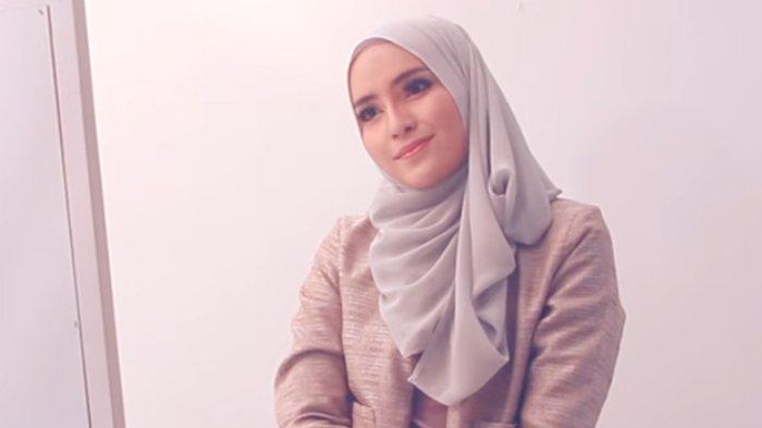 Tutorial Hijab Ala Zahratul Jannah Yang Simpel Dan Chic Pantas Untuk Anak Muda Hangout Tribunstyle Com