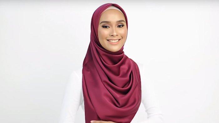 Punya Hijab Berbahan Satin Atau Licin Gunakan Saja Model Yang Ini Hasilnya Bakal Manis Tribunstyle Com