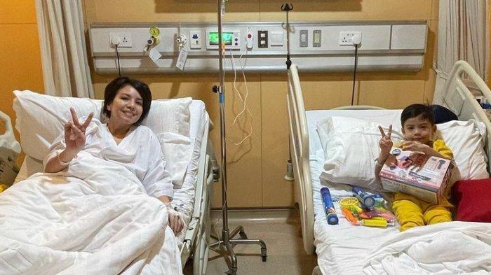 Tya Ariestya dan sang anak, Kanaka dirawat di rumah sakit.
