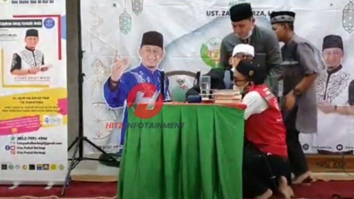 Ustadz Zacky Mirza pingsan saat dakwah di Pekanbaru