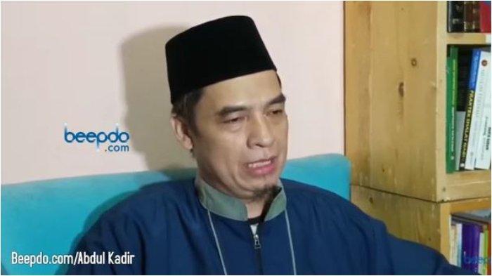 Ustaz Safrudin Arafat yang menikahkan siri Kiwil dengan pengusaha Kalimantan. (YouTube Beepdo)