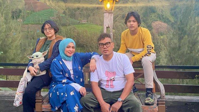 Uya Kuya dan keluarga