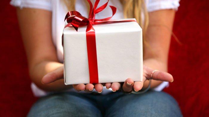 Bingung Memilih Hadiah Valentine Selain Cokelat? Simak yang Cocok Berdasarkan Zodiak!