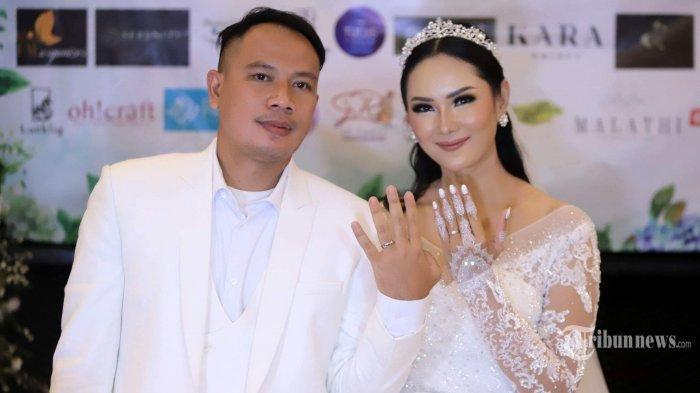 Vicky Prasetyo dan Kalina Ocktaranny resmi menjadi pasangan suami istri