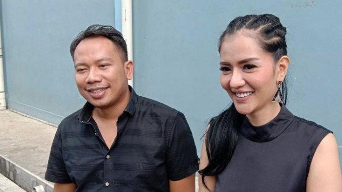 Vicky Prasetyo dan Anggia Chan