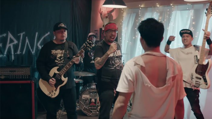 Iko Uwais Mengamuk di Video Musik Terbaru Seringai - 'Adrenalin Merusuh'