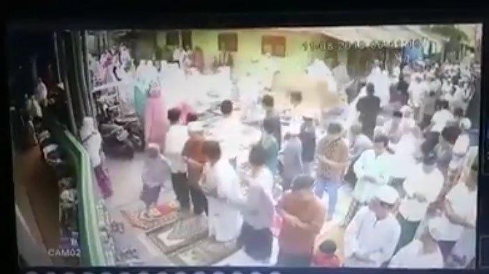VIRAL Video Salat Ied Idul Adha Berhamburan karena Sapi Lepas