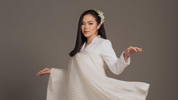 Lirik Lagu 'Tenang' Yura Yunita, Ajak Pendengar Berdialog dengan Suara Hati Terdalam
