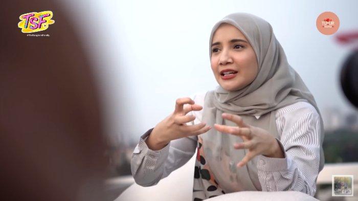 Cerita Perjalanan Hijrah, Zaskia Kenang Sempat Berkali-kali Ingin Cerai dari Irwansyah: Ribut Mulu