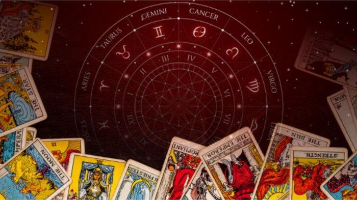 ZODIAK CINTA BESOK Ramalan Horoskop Kamis 30 September 2021: Taurus Romantis, Sagitarius Berwarna