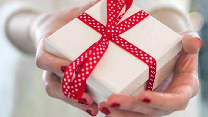 Murah Hati dan Suka Memberi, 6 Zodiak Ini Gemar Menghujani Orang-orang Terdekat dengan Hadiah