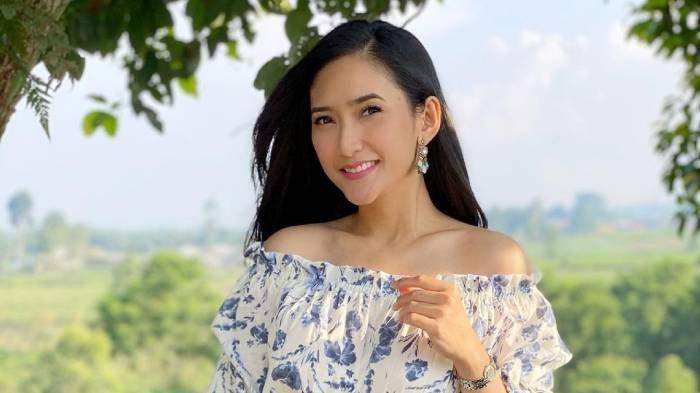 Profil Zora Vidyanata, Finalis Putri Indonesia 2002 yang Bintangi Sinetron Suara Hati Istri: Zahra