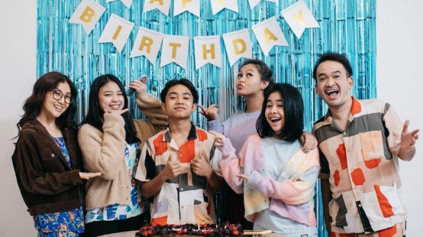Betrand Peto rayakan pesta ulang tahun