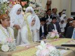 akad-nikah-putri-gubernur-jatim-khofifah-patimasang-dan-fadil-wirawan.jpg