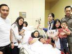 ani-yudhoyono-yang-sedang-sakit-leukimia-berfoto-dengan-anak-dan-cucu-cucunya.jpg
