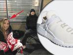 demi-sepatu-adidas-terbaru-gadis-ini-rela-kedinginan-tidur-di-luar-toko-antri-seminggu_20180221_234843.jpg