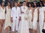 deretan-puteri-indonesia-hadir-di-pernikahan-nadine-chandrawinata-dan-dimas-anggara_20180709_164004.jpg