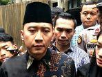 edhie-baskoro-yudhoyono-alias-ibas-melayat-ke-rumah-duka-ashraf-sinclair.jpg
