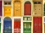 feng-shui-datangkan-energi-positif-untuk-pintu-di-rumah-anda-pilih-6-warna-ini.jpg