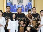 foto-keluarga-sby-saat-lebaran-2019.jpg