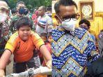 gubernur-sulawesi-selatan-dan-jajaran-kodim-pangkep-beri-bantuan.jpg