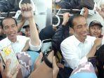 jokowi-naik-commuter-line-viral.jpg