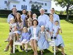 keluarga-kerajaan-swedia_20180622_203212.jpg