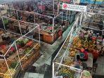 lapal-pedagang-pasar-gedhe-solo-dipasangi-sekat-plastik-demi-cegah-covid-19.jpg