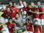 para-pemain-timnas-indonesia-merayakan-kemenangan-atas-guyana_20171206_132747.jpg