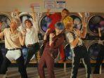 penampilan-bts-dalam-video-musik-permission-to-dance.jpg