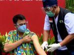 penyuntikan-vaksin-covid-19-dosis-kedua-bareng-jokowi-raffi-ahmad-ikuti-lagi.jpg