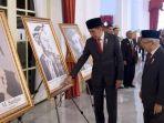 presiden-jokowi-beri-gelar-pahlawan.jpg