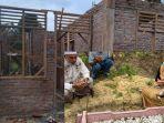 rumah-ibunya-segera-rampung-dibangun-makam-rangga-ramai-peziarah.jpg